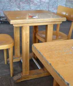 cafe-table